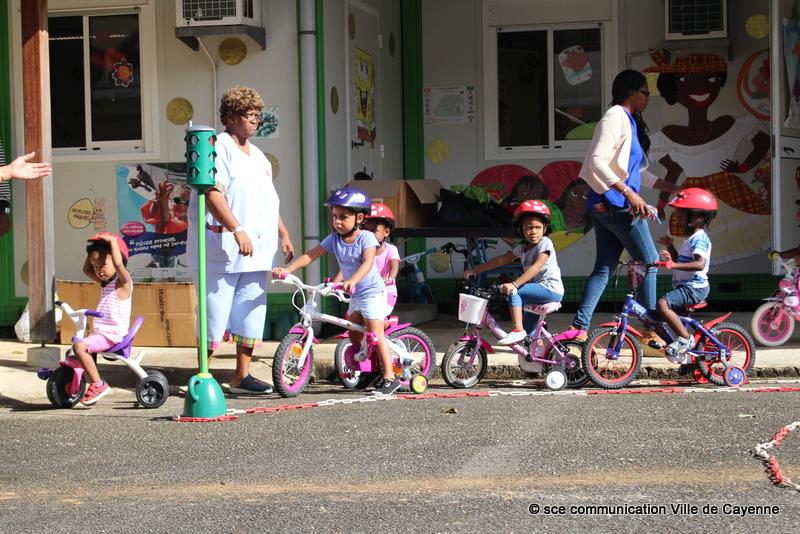 Guyane. Action de sensibilisation à la prévention routière au jardin d'enfants