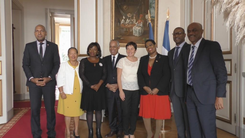 [Vidéo]HEXAGONE. Déjeuner de Travail avec les Parlementaires de Guadeloupe au Ministère des Outre mer