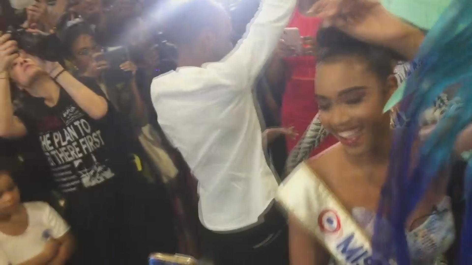 [Vidéo] La Guadeloupe acceuille ses Miss à l'aéroport Images Rémy RAMIN.