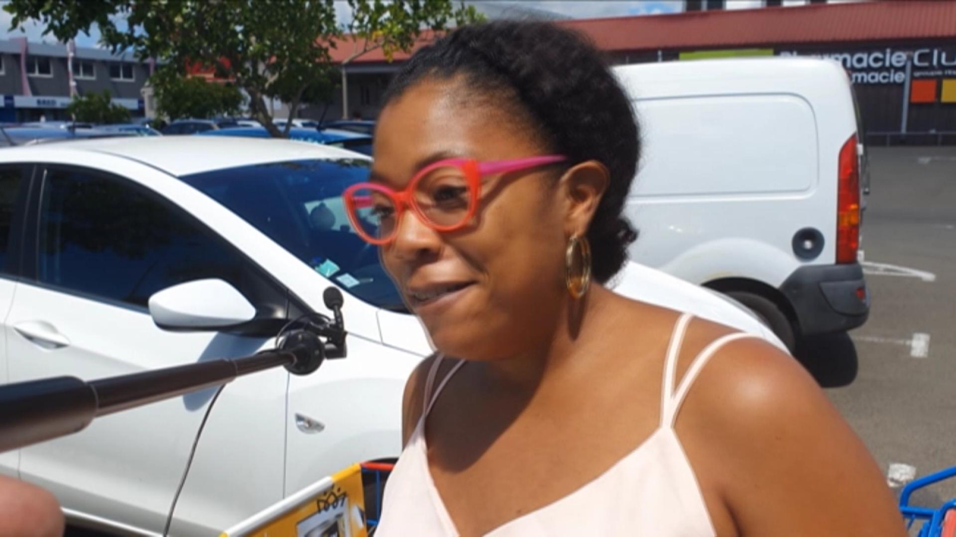 [Vidéo] Onews Martinique. Les martniquais sont ils prêts à acheter des bananes venues d ailleurs moins chères.