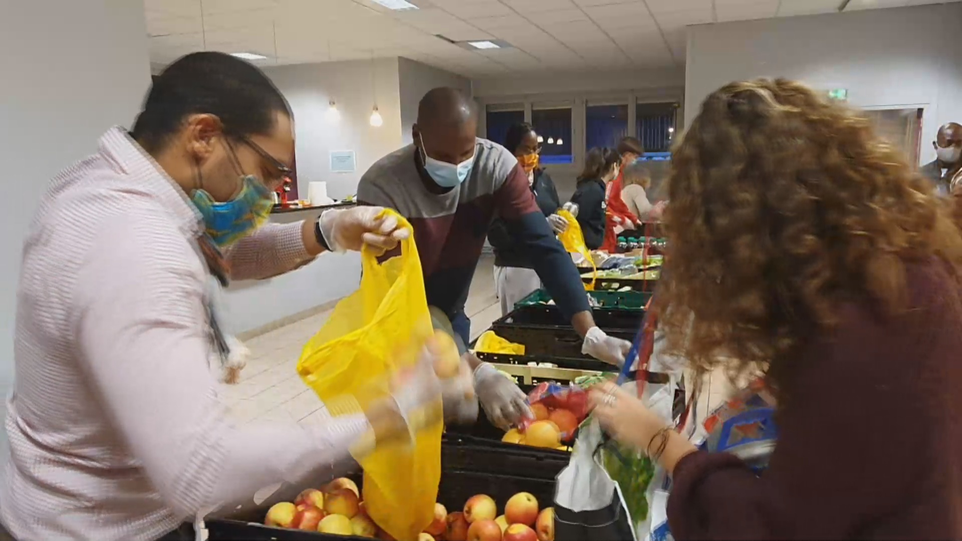 [Vidéo] Onews Lyon. Confinement La Maison des Outre mers distribue des colis repas aux étudiants en difficulté