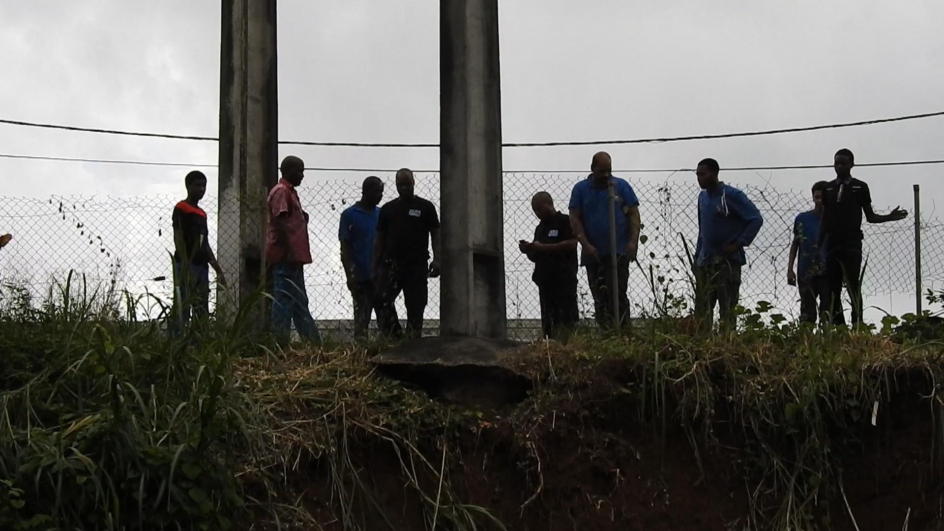 [Vidéo] Onews Martinique. Intempéries des habitants craignent l affaissement de 2 poteaux éléctriques