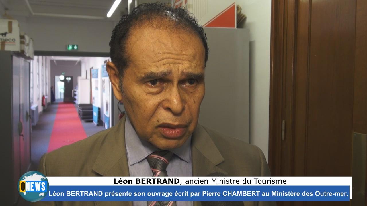 [Vidéo]Hexagone Léon Bertrand à Paris pour la présentation de l ouvrage «Regard sur sa politique culturelle et patrimoniale «Saint-laurent du Maroni»