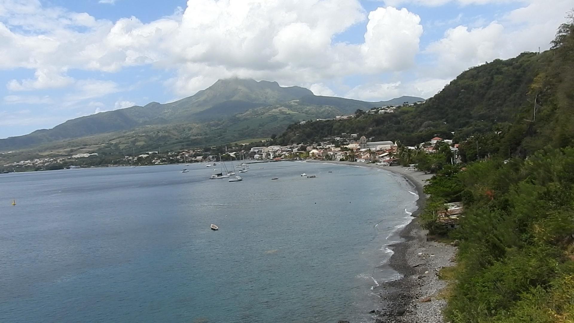 Onews Martinique. Éventuelle éruption de La montagne Pelée. Rencontre avec le Maire de Saint Pierre Christian RAPHA